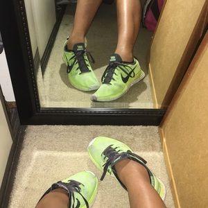 Nike flynit ones neon green